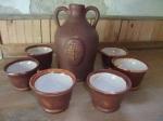 Pálinkás készlet. A pohár-design a keleti teázó szettből lehet ismerős, de a tesztek szerint pálinkával is működik. ;)