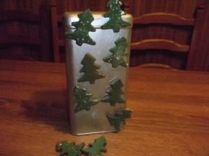 Fenyőfa hűtőmágnes, fényes zöld mázas, havas és nem havas kivitelben